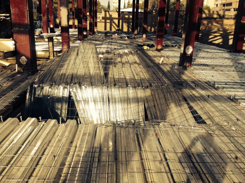 آسیبدیدگی در سقفهای عرشه فولادی